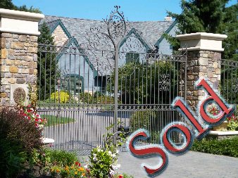 Luxury Bratenahl Estate on Lake Sold by Luxury Realtor Team
