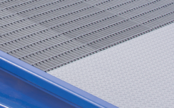 Serrated grating and diamond deck aprons