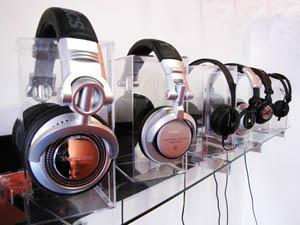 Head Space Stores - DJ Headphones