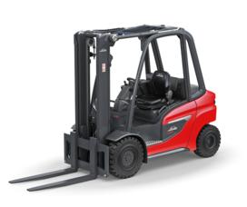 Linde 1202 Pneumatic Tire Forklift